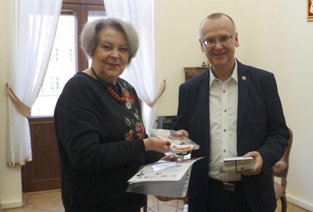 """Medal dla """"Wspólnoty Polskiej"""""""